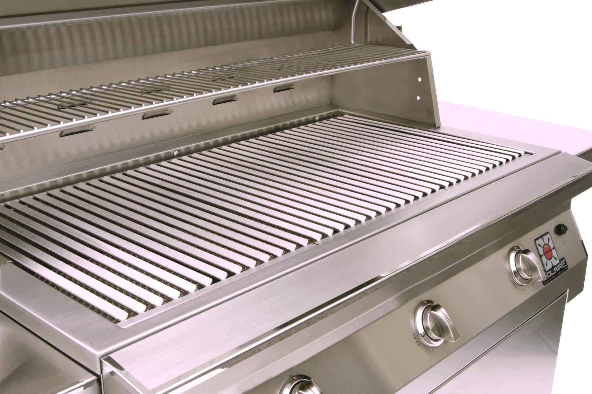 IRBQ-42C_detail-grate-warming-rack-logo_fl_1-r100-w1920